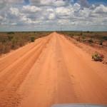 Isso sim que é estrada longa e deserta