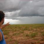 O tempo estava muito ruim e todos os dias chovia muito. Quando víamos somente 3 ou 4 CB's na região estava bom pra decolar... hehe